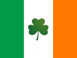 Bandera Irlanda con trébol