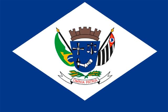 Bandera Álvares Machado