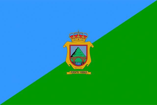Bandera Puente Viesgo